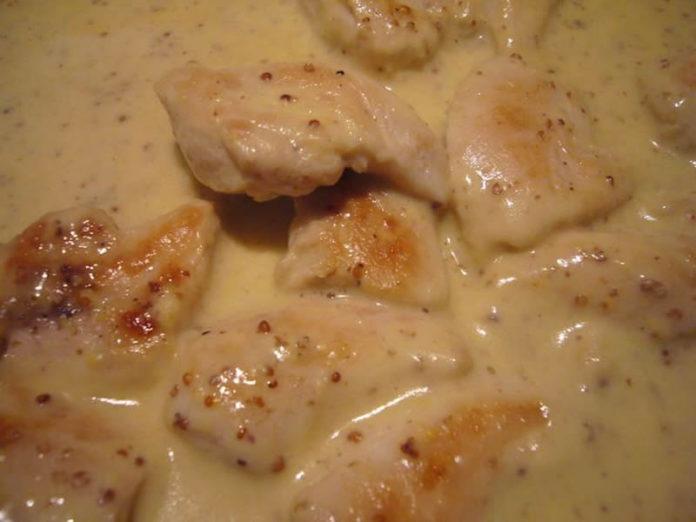 Aiguillettes de poulet agrémenté d'une sauce crème au thermomix