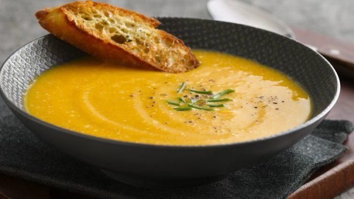 Soupe de légumes aromatisée à la muscade au thermomix