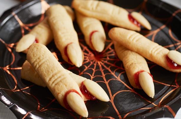 Biscuits doigts de sorcières d'Halloween au Thermomix